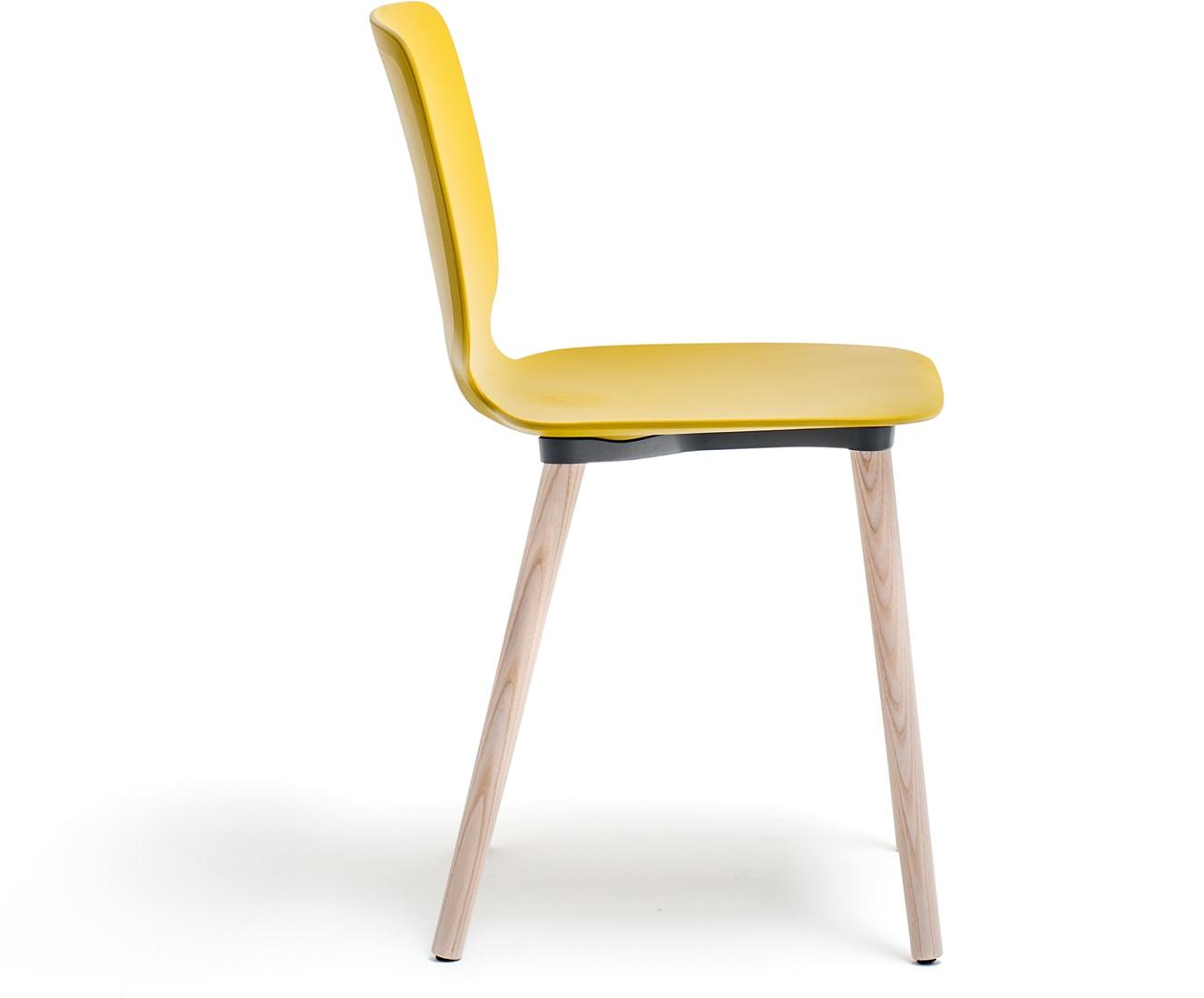 Babila 2750 kunststof stoel met houten poten bij fp for Stoel houten poten