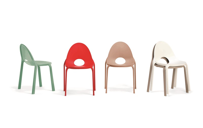 Gewijzigde kleuren Drop stoelen