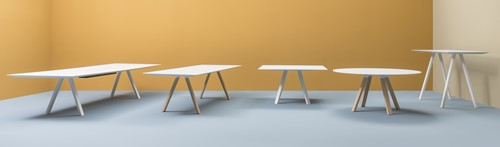 Arki Tafel - design / vergadertafel met een dun volkern blad en schuine poten-3