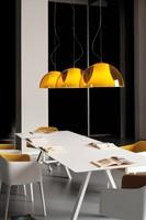 Arki Tafel - design / vergadertafel met een dun volkern blad en schuine poten-2