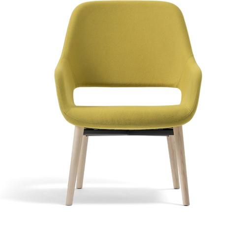 Armfauteuil Babila Comfort 2759 - gestoffeerde loungestoel met houten frame. FSC 100% gecertificeerd