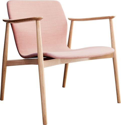 Butterfly MO5369 Lounge Classic - Magnus Olesen loungestoel met armleggers, frame massief hout, zitschaal volledig gestoffeerd