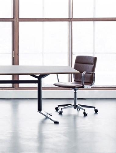 Butterfly MO6703 Tafel recht - Magnus Olesen langwerpige of tonvormige zelfstandige tafel met tweepoot onderstel-3
