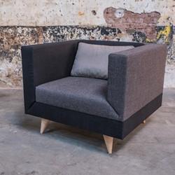 LL 4901 Fauteuil - Kees Marcelis fauteuil, volledig gestoffeerd, kleur- en stofcombinaties mogelijk