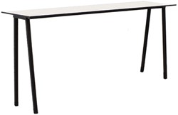 Form Table 75 - speelse smalle (outdoor) tafel met metalen poten en volkern blad
