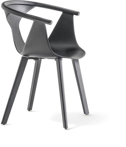 Fox 3725 - elegante fauteuil met kunststof kuip en houten poten. FSC 100% gecertificeerd