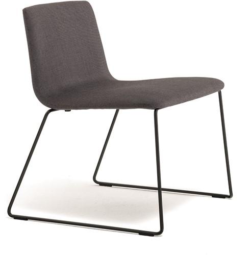 Inga 5688 - gestoffeerde lounge stoel, wachtstoel, sledeframe