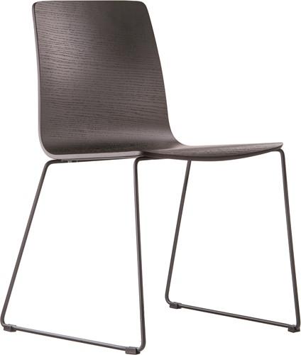 Inga 5619 - houten stoel met sledeframe