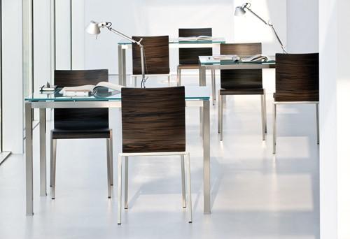 Kuadra 1321 - houten stoel met vierkant buisframe-3