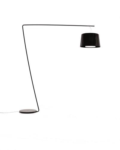 L001T/B - staande Z-lamp met brede kunststof kap