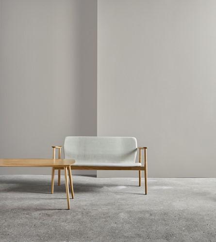 Butterfly MO5381 Lounge BANK Classic - Magnus Olesen loungebank met armleggers, frame massief hout, zitschaal volledig gestoffeerd-2