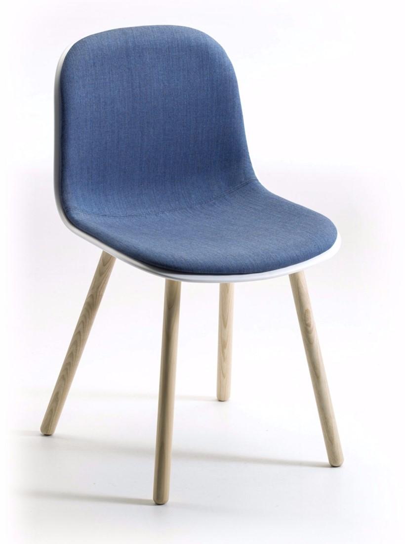 Mani 4wl duo vriendelijk vormgegeven gestoffeerde stoel for Stoel houten poten