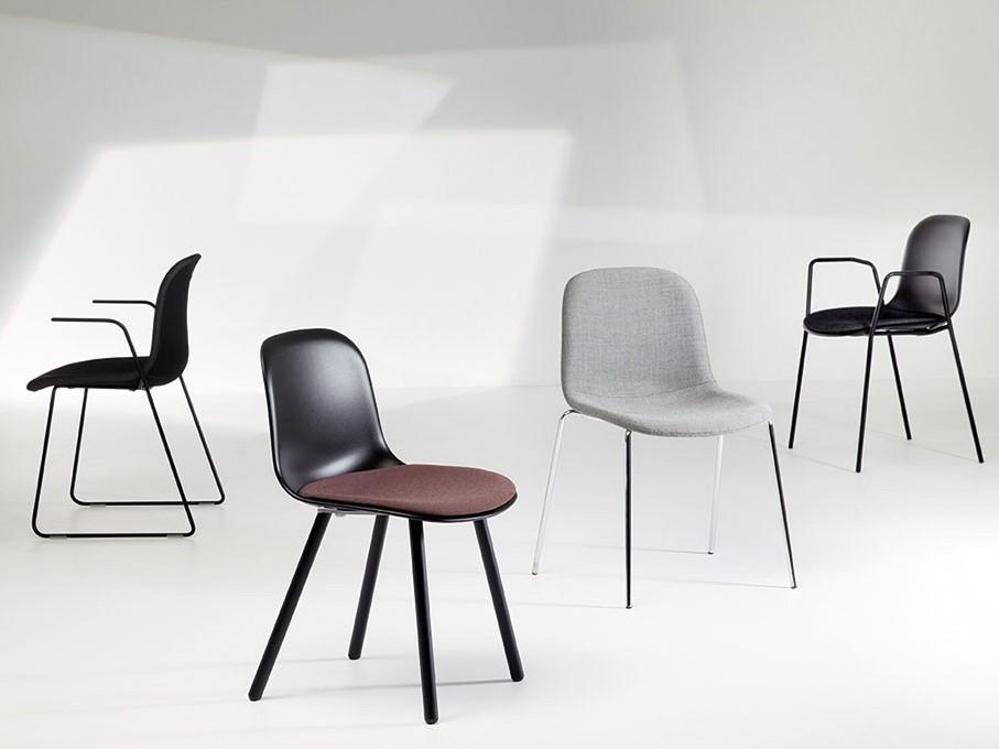 Stoel Met Wielen : Mani ho duo vriendelijk vormgegeven gestoffeerde stoel met