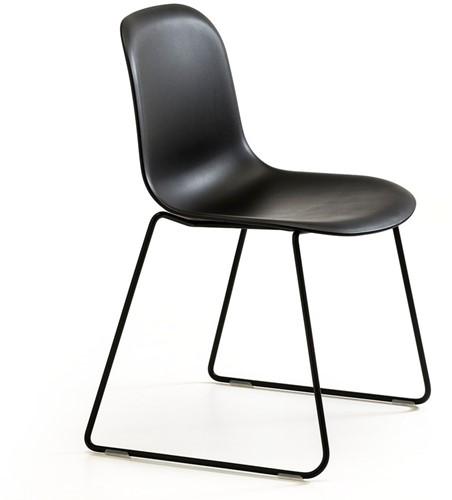 Mani SL 958 - vriendelijk vormgegeven kunststof stoel met sledeframe