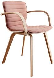 Butterfly MO5341 Wood Armstoel Full - Magnus Olesen gestoffeerde stoel met armleggers, frame en armleggers massief hout, zitschaal volledig gestoffeerd