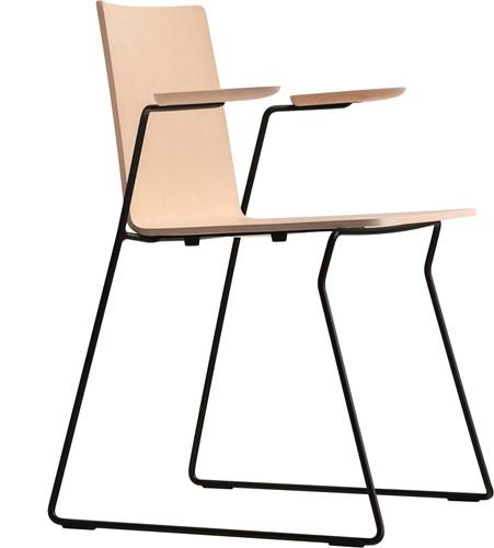 Osaka Metal 5715 - houten stoel met armleggers en sledeframe. FSC 100% gecertificeerd