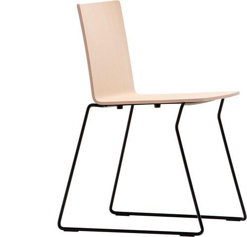 Osaka Metal 5714 - houten stoel met sledeframe. FSC 100% gecertificeerd