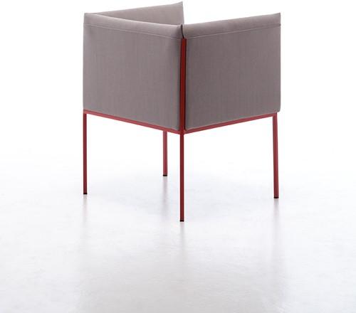 Sharp-4P 866 - strak vormgegeven fauteuil / stoel met elegante pootjes en dikke stoffering-2